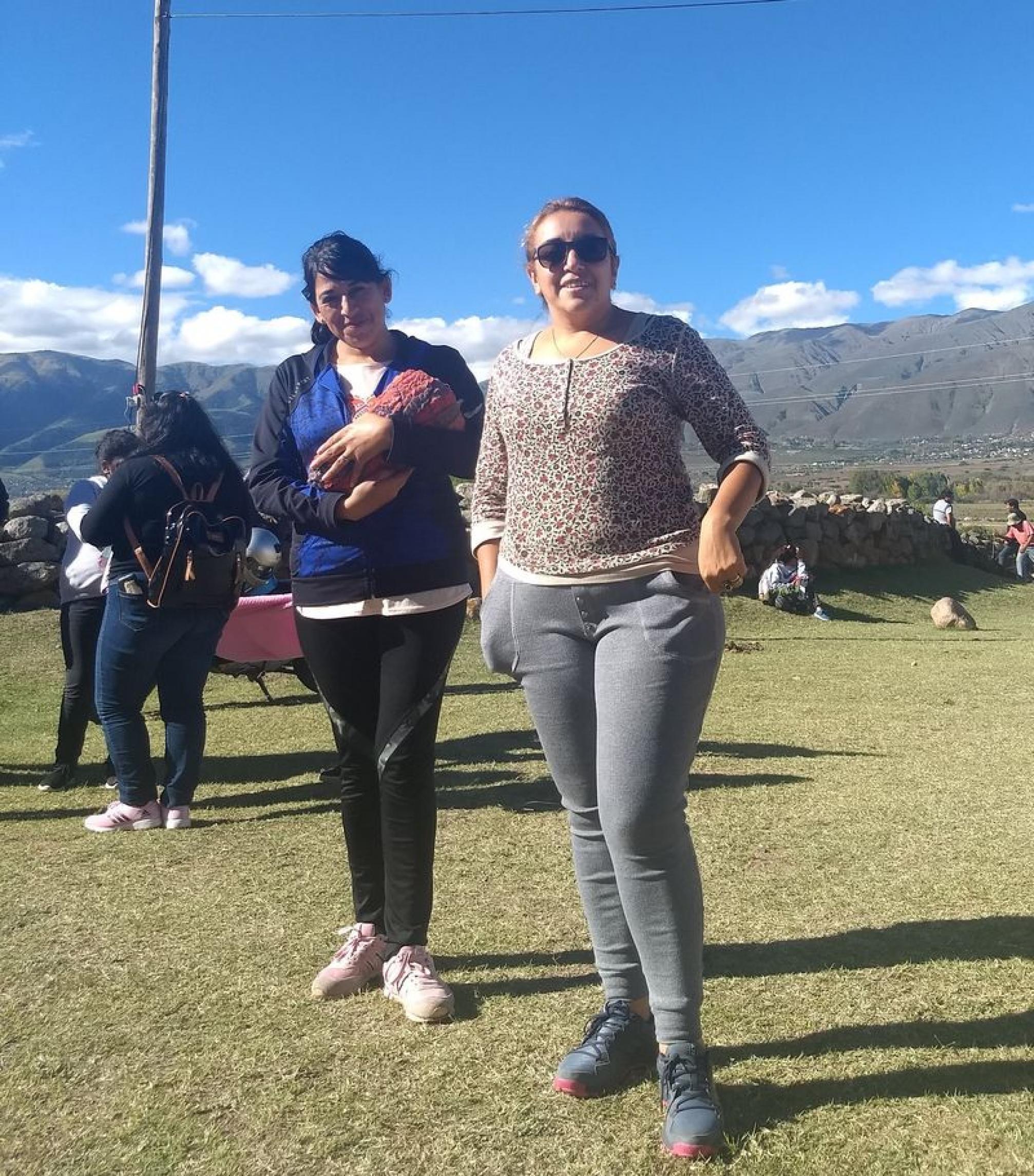 Beatris y Maria Alejandra Chaile, pueblo de Jesús